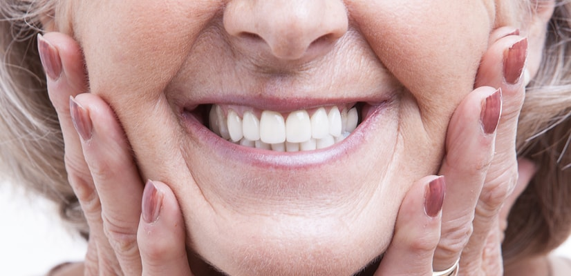 calgary-woman-with-dentures